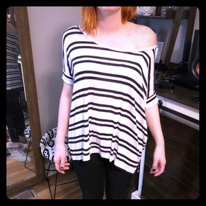 Relaxed fit and super soft top.